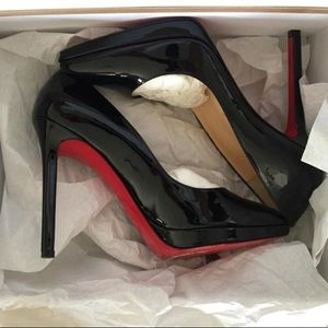 Christian Louboutin pigalle Plato pump in black